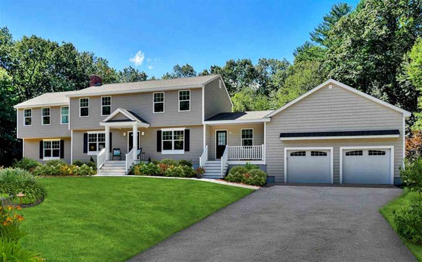 Colonial,Craftsman, Single Family - Windham, NH (photo 4)