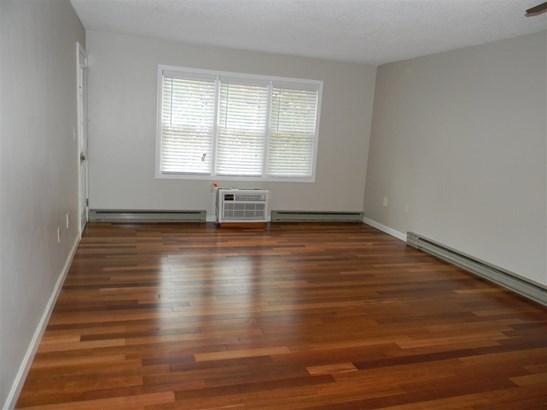 Condo, Apartment Building,End Unit - Merrimack, NH (photo 4)