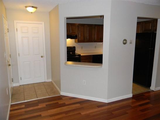 Condo, Apartment Building,End Unit - Merrimack, NH (photo 5)