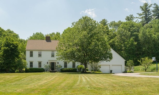 Colonial, Single Family - Lee, NH (photo 1)