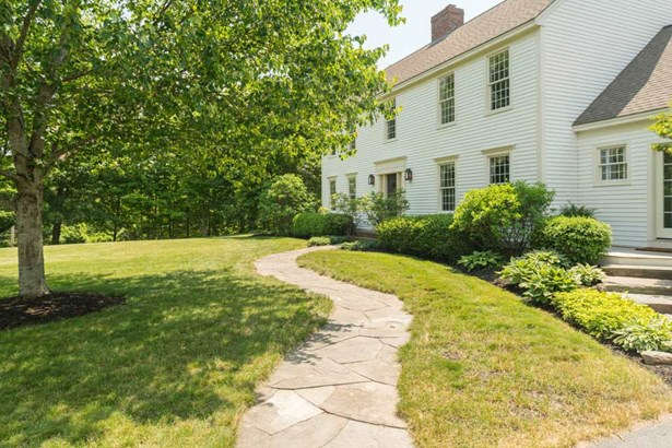 Colonial, Single Family - Lee, NH (photo 4)