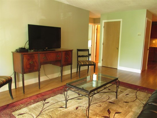 End Unit,Top Floor, Condo - Hampton, NH (photo 4)