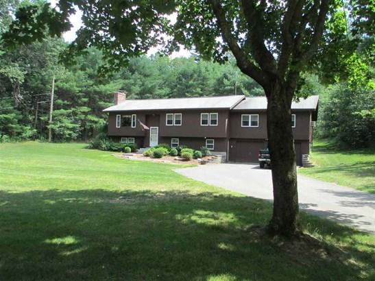 Split Entry, Single Family - Milford, NH (photo 1)