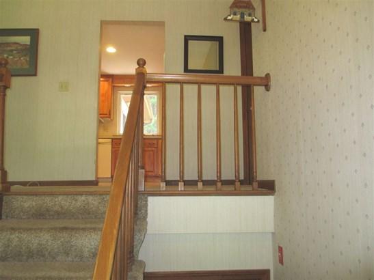 Split Entry, Single Family - Milford, NH (photo 2)