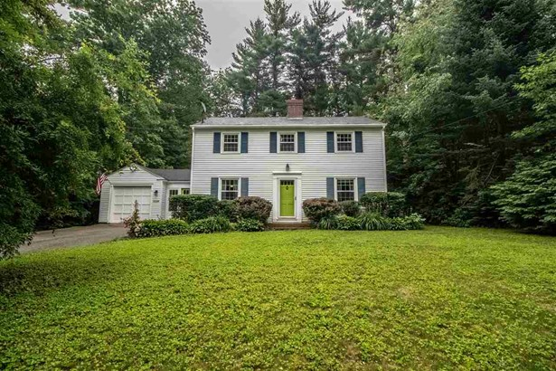 Colonial, Single Family - Rochester, NH