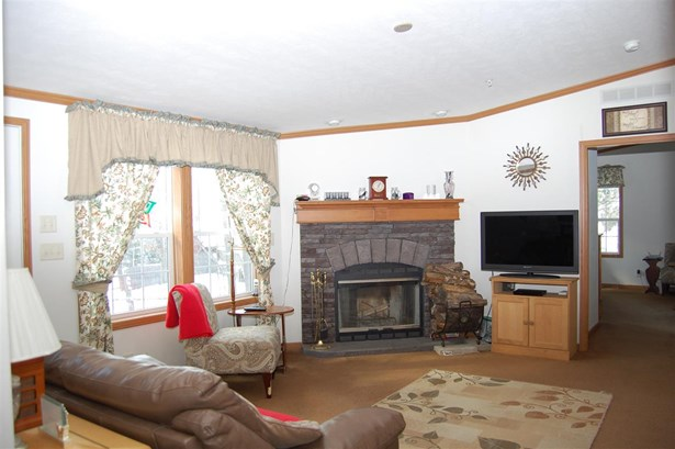 Single Family, Manuf/Mobile,Ranch - Weare, NH (photo 1)