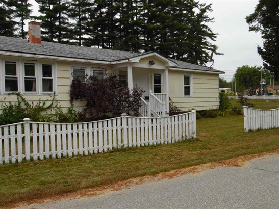 Ranch, Single Family - Tilton, NH (photo 3)