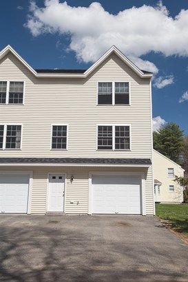Condo, End Unit,Townhouse - Epping, NH (photo 1)