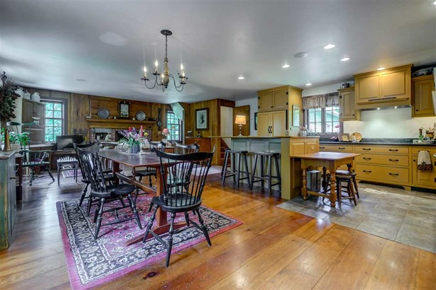 Antique,Colonial, Single Family - Amherst, NH (photo 5)
