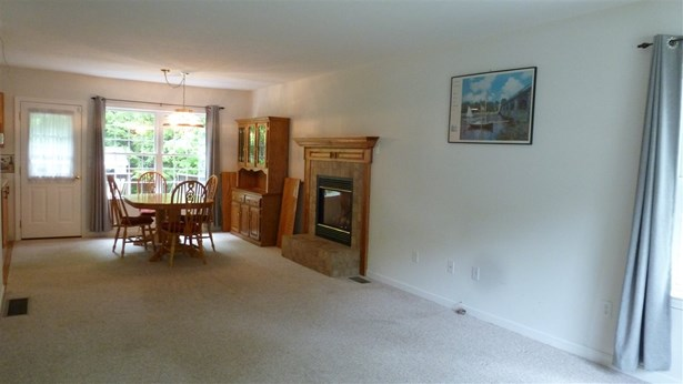 Colonial, Single Family - Concord, NH (photo 2)