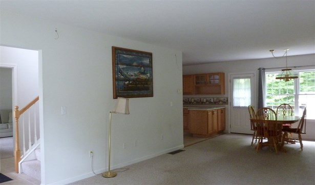Colonial, Single Family - Concord, NH (photo 4)
