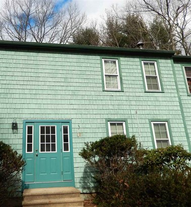 Townhouse, Condo - Stratham, NH (photo 3)