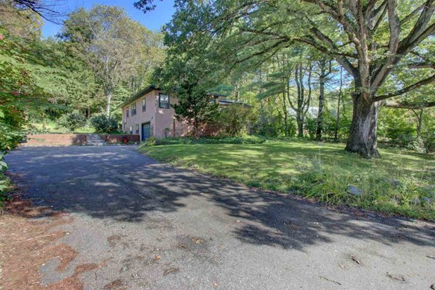 Ranch, Single Family - Lee, NH