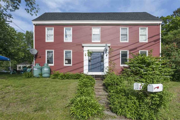 Colonial, Multi-Family - Kittery, ME