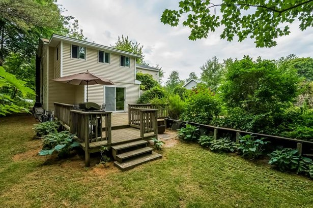 Colonial,Contemporary, Single Family - Wolfeboro, NH (photo 3)