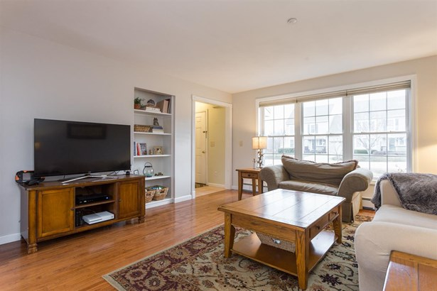 Townhouse, Condo - Brentwood, NH (photo 5)