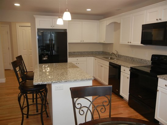 Ranch, Condo - Amherst, NH (photo 3)