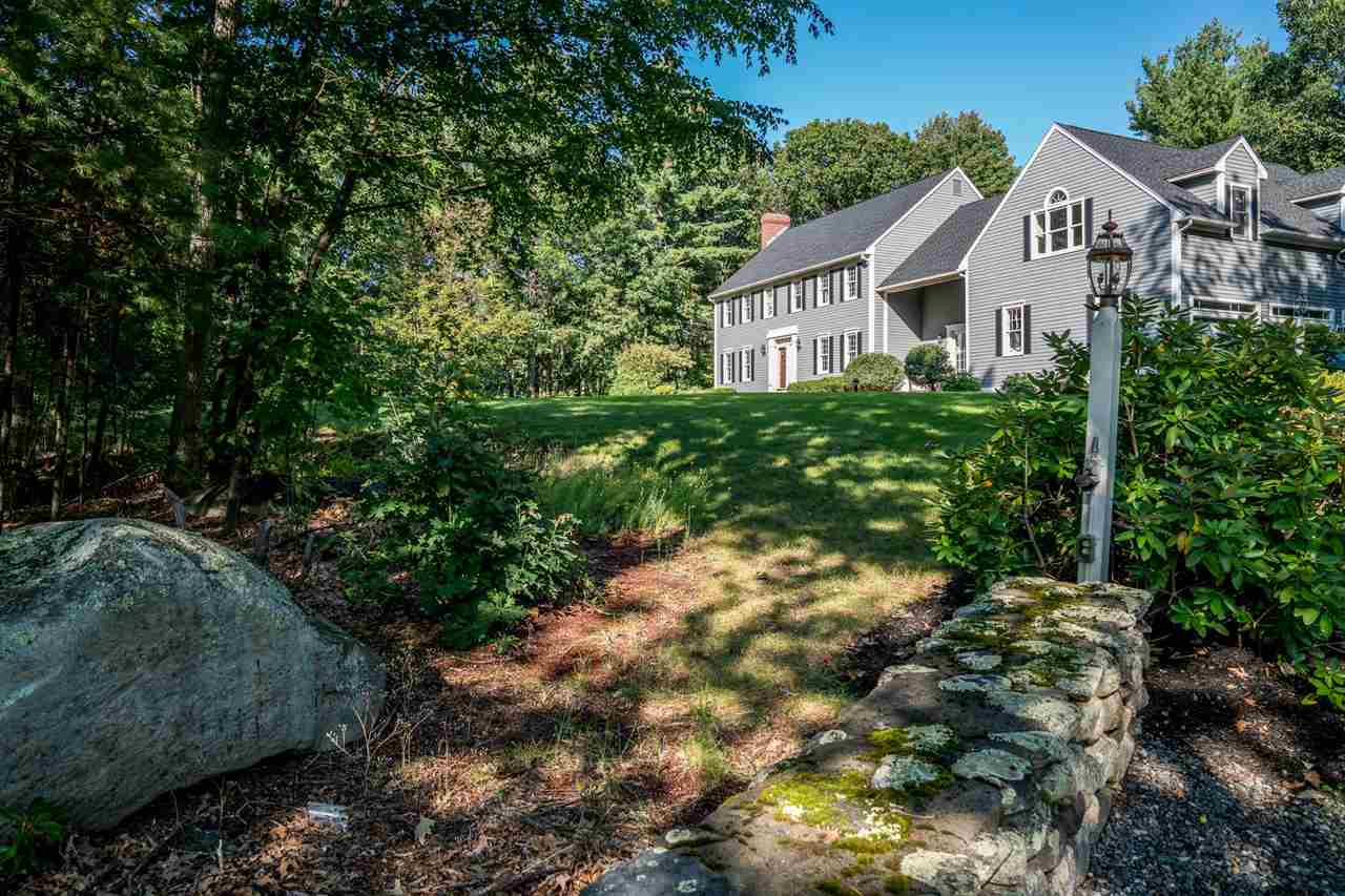 Colonial, Single Family - Bedford, NH (photo 2)