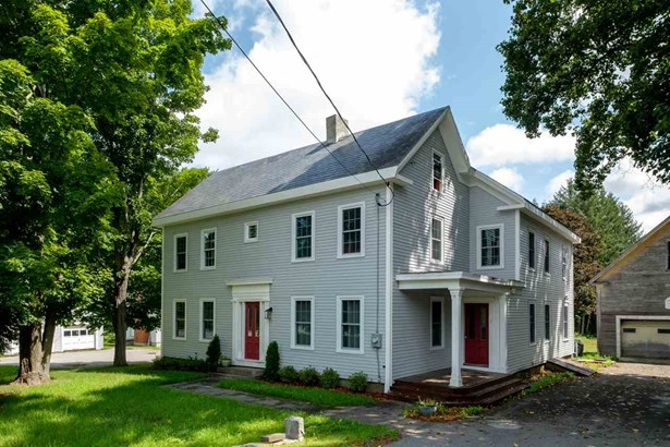 Colonial, Single Family - Newfields, NH