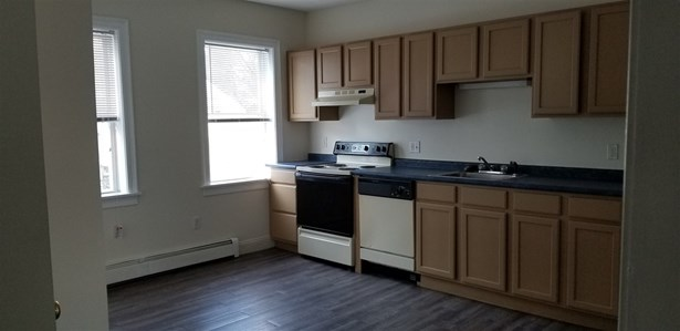 Townhouse, Condo - Newmarket, NH (photo 4)