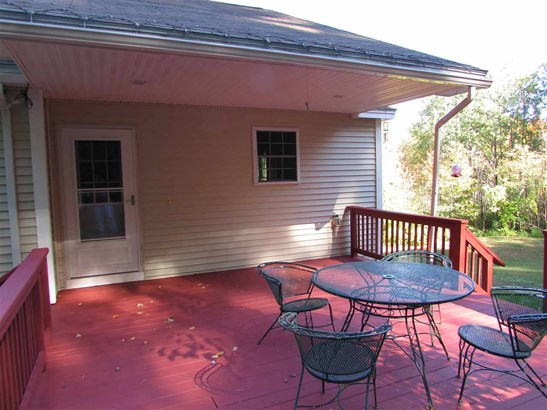 Condo, End Unit,Townhouse,Walkout Lower Level - Rochester, NH (photo 4)