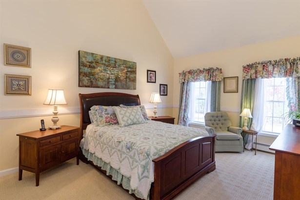 Colonial, Single Family - Seabrook, NH (photo 1)