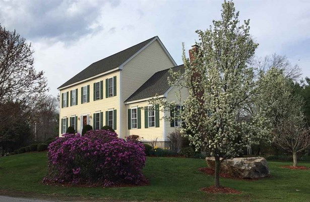 Colonial, Single Family - Seabrook, NH (photo 5)