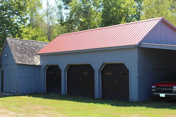 Antique,Farmhouse,Historic Vintage,New Englander,w/Addition - Single Family (photo 2)