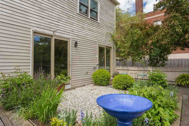Condo, Carriage - Portsmouth, NH (photo 5)