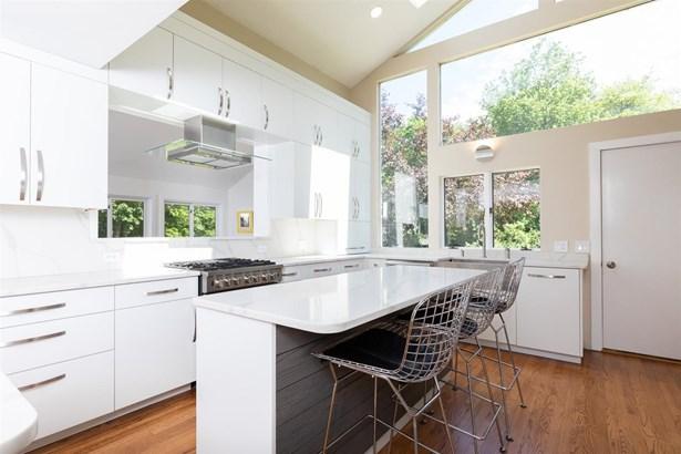 Modern Architecture, Single Family - Rye, NH (photo 4)