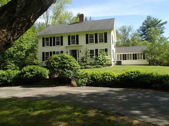 Colonial, Single Family - Exeter, NH (photo 1)