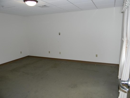 Apartment, New Englander - Goffstown, NH (photo 3)