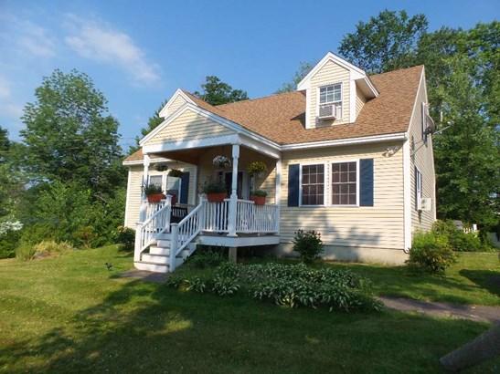 Cape, Single Family - Franklin, NH
