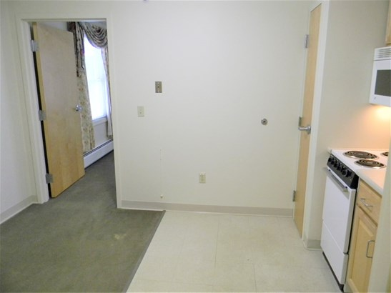 Apartment Building, Apartment - Goffstown, NH (photo 3)