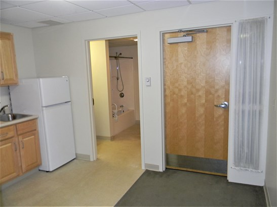Apartment Building, Apartment - Goffstown, NH (photo 5)