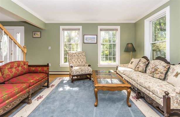 Colonial, Single Family - Portsmouth, NH (photo 5)