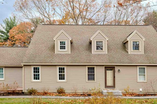 Townhouse, Condo - Stratham, NH (photo 4)