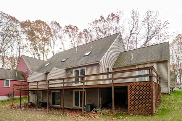 Townhouse, Condo - Stratham, NH (photo 5)