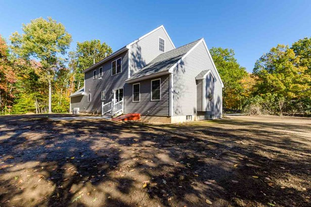 Colonial, Single Family - Hampstead, NH (photo 2)