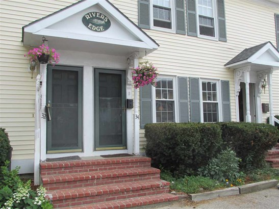 Townhouse, Condo - Exeter, NH (photo 1)