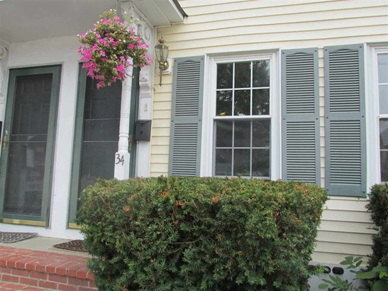 Townhouse, Condo - Exeter, NH (photo 2)