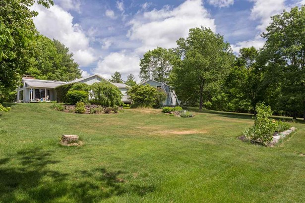 Ranch, Single Family - Dover, NH (photo 4)