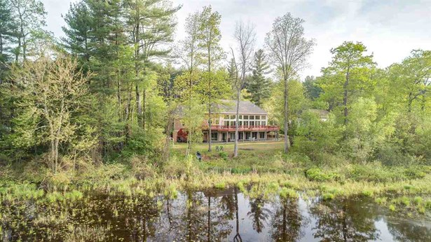Contemporary,Walkout Lower Level, Single Family - Milford, NH (photo 1)
