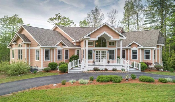 Contemporary,Walkout Lower Level, Single Family - Milford, NH (photo 2)