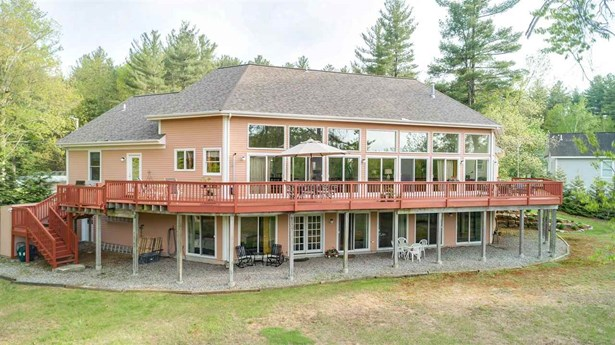 Contemporary,Walkout Lower Level, Single Family - Milford, NH (photo 5)
