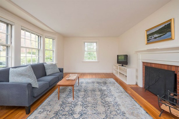 Cape, Single Family - Portsmouth, NH (photo 4)