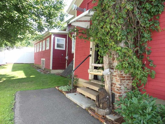 New Englander, Single Family - Tilton, NH (photo 1)
