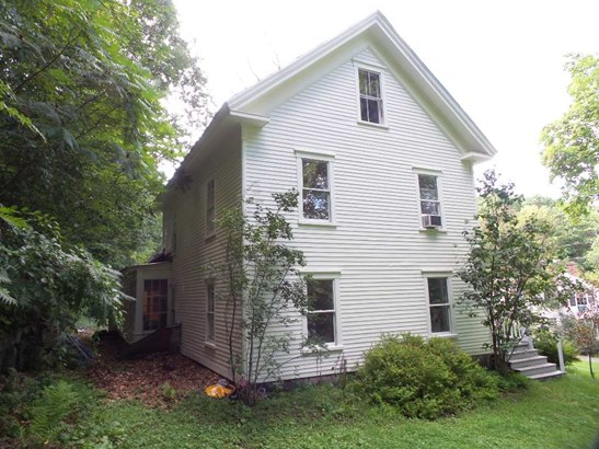 Colonial, Single Family - Franklin, NH (photo 4)