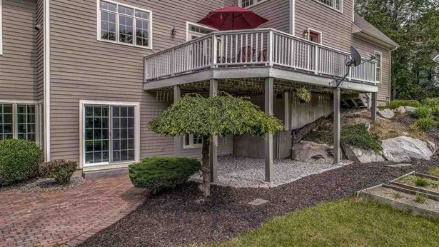 Single Family, Colonial,Contemporary,Walkout Lower Level - Bedford, NH (photo 5)
