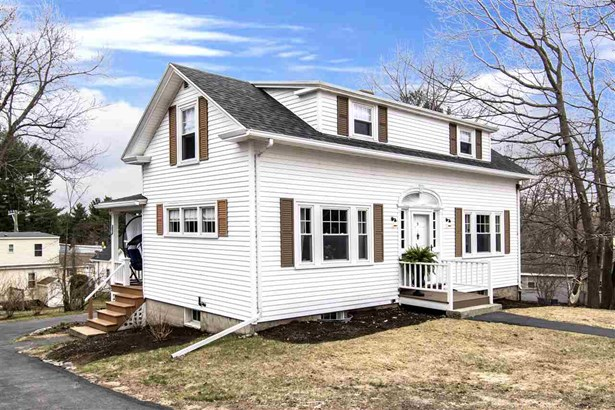 Bungalow,Cape, Single Family - Dover, NH (photo 1)